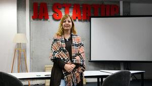 Елица Моллов: JA StartUp програмата учи младите хора как да продават и презентират - и себе си, и бизнес идеята си
