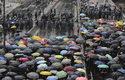 Китайската армия към протестиращите в Хонконг: Няма да се търпят безредици (видео)
