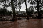 Фотогалерия: Пороите в Гърция убиха 15 души и опустошиха десетки домове