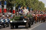 Фотогалерия: Военният парад за Деня на Бастилията в Париж