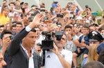 Снимка на деня: Стотици посрещнаха Роналдо в Торино