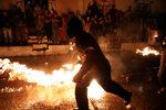 Фотогалерия: Битката с огнени топки