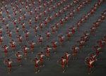 """Фотогалерия: Северна Корея поднови масовите """"игри на обединението"""""""