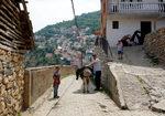 Фотогалерия: Референдумът носи надежда в обезлюдените села на Македония