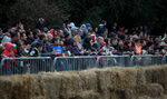 """Фотогалерия: Скорост и артистичност в състезанието на """"Ред Бул"""" за самоделни колички"""