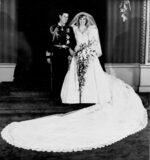 Фотогалерия: Принц Чарлс, който още чака трона си, става на 70