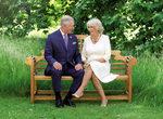 Снимка на деня: Портрети от коледните картички на британските престолонаследници