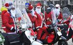 Фотогалерия: Дядо Коледа на мотор