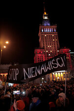 Фотогалерия: Спрете омразата, призоваха поляци след убийството в Гданск