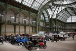 Фотогалерия: Ретро автомобили за милиони на търг в Париж