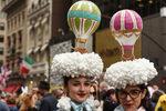 Фотогалерия: Цветовете на Манхатън на парада на бонетата