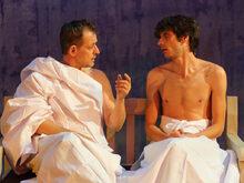 Двама съвсем голи мъже