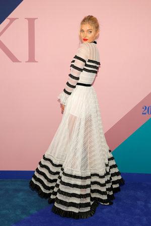 Фотогалерия: Блясък от американските модни награди