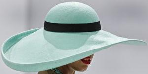 Фотогалерия: Да си сложиш шапката