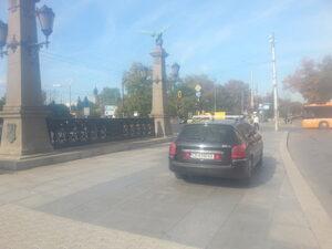Постоянно паркиране на Орлов мост