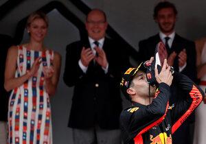 Снимка на деня: Да полетиш към победата с Даниел Рикардо