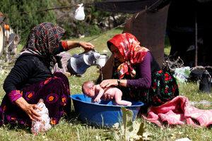 Фотогалерия: Едно от последните номадски семейства в Турция