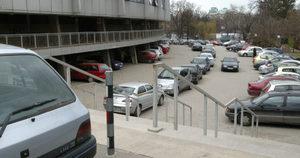От днес паркирането около една част на националния стадион е платено