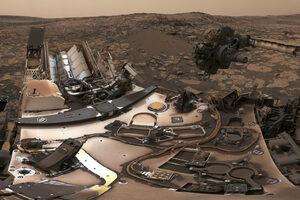 """Снимка на деня: """"Кюриосити"""" изпрати селфи от Марс"""