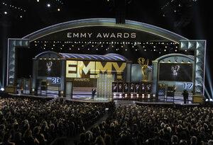 """""""Нетфликс"""" ще опита да детронира HBO на наградите """"Еми"""" тази вечер"""