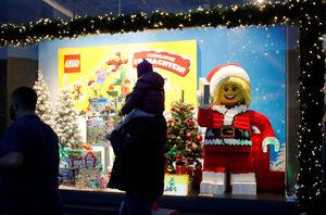 """LEGO и """"Улица Сезам"""" ще помагат заедно на децата бежанци да играят"""