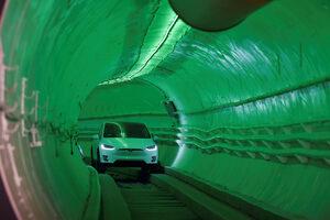 Фотогалерия: Илън Мъск представи тунела на бъдещето