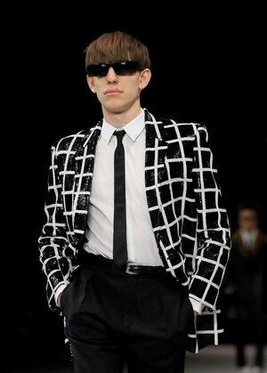 Фотогалерия: Мода за мъже от Париж