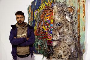 Пластмасата заживява втори живот в произведенията на португалски артист