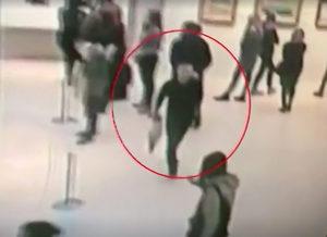 Заловен е заподозрян за дръзката кражба на картина от руска галерия