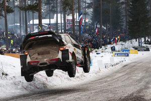 """Фотогалерия: Летящи автомобили и снежни гледки в рали """"Швеция"""""""