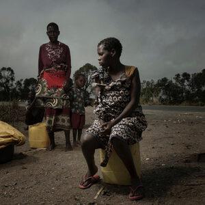 """Фотогалерия: Хиляди чакат да бъдат спасени от """"най-тежкото бедствие в Южното полукълбо"""""""
