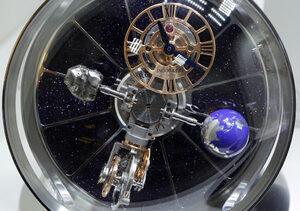 Фотогалерия: Изложението за часовници в Базел - лукс и красота