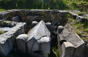 Античният мавзолей в Южния парк ще бъде спасен за разлика от базиликата