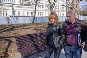 """Фандъкова: Гранитните павета на площад """"Св. Александър Невски"""" се запазват"""