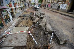 """Подмяна на топлопровод най-вероятно ще удължи ремонта на столичната ул. """"Иван Вазов"""""""