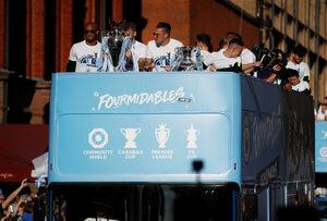 """Фотогалерия: Шампионският парад на """"Манчестър сити"""""""