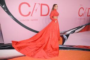 """Дженифър Лопес и Барби бяха обявени за """"модни икони"""" на наградите CDFA"""