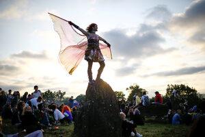 Фотогалерия: Фестивалът в Гластънбъри се завърна по-зелен отвсякога