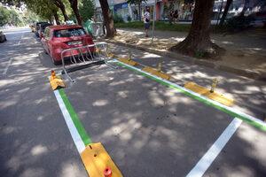 Снимка на деня: Паркирането на тротинетки в центъра е безплатно