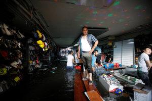 Снимка на деня: Порой наводни Истанбул