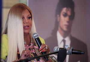 Бивша говорителка на Майкъл Джексън ще прави фондация на негово име