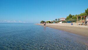Есенно на плаж в Гърция