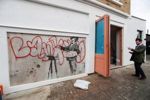 Нова луксозна жилищна сграда в Лондон запази оригинален Банкси върху фасадата си