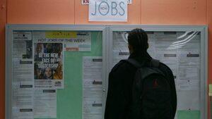Видео: Как местни организации се борят с младежката безработица в Европа