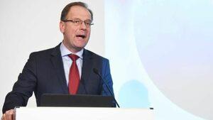 Еврокомисар Тибор Наврачич: Личната конкурентоспособност може да се развие още в детската градина