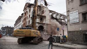 Съдът оправда собствениците на полуразрушения тютюнев склад в Пловдив (допълнена)
