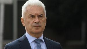 """Сидеров нарече """"грешка"""" назначаването на Симеонов и Каракачанов за вицепремиери"""