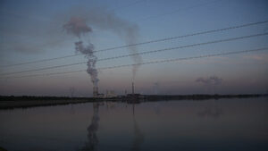 Кабинетът одобри ограничаване на емисиите от горивни инсталации