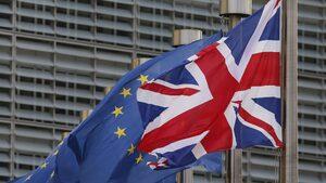 Мей се готви да отстъпи пред Брюксел за правата на европейските граждани след Брекзит