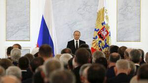 Истински мужик, но забрави обикновените хора - какво мислят руснаците за Путин